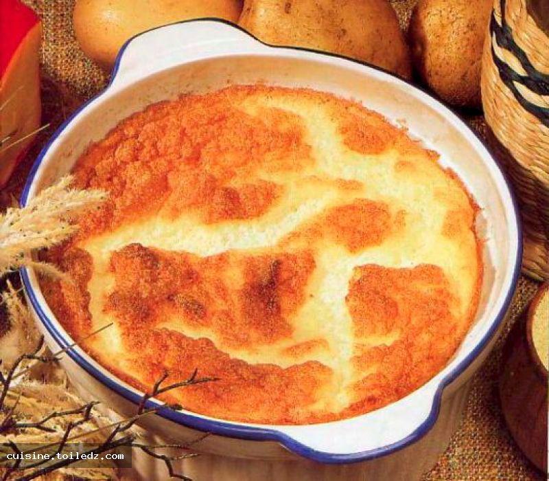 recette souffl de pommes de terre au fromage le grand livre de recettes et cuisine alg rienne. Black Bedroom Furniture Sets. Home Design Ideas